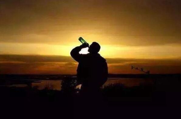 喝酒后的心情经典句子 酒醉伤感的句子