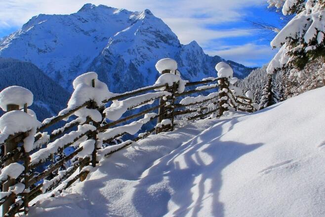 下雪的搞笑句子 调侃冬天下雪的句子