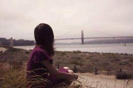 关于一个人心累的句子 心累找不到人诉说的句子