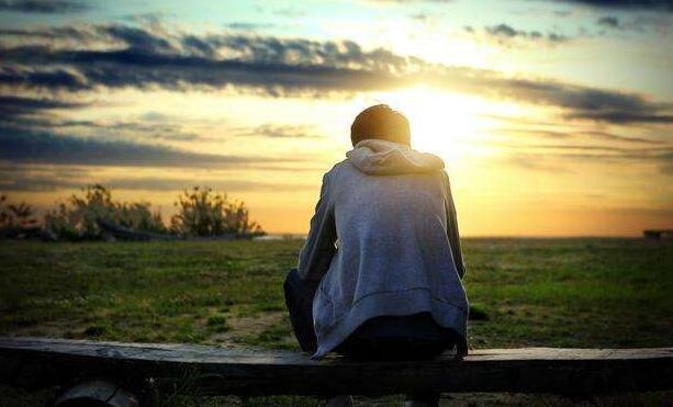 放弃一个人心酸的句子 决定不爱一个人的句子