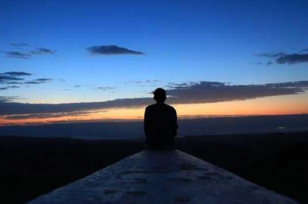 有关等待的抒情句子 没有希望的等待的句子