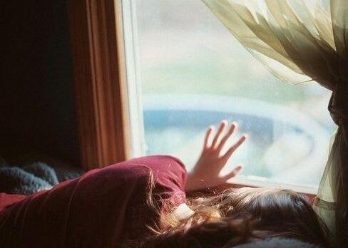 对爱情无奈的句子 对爱情绝望放弃的句子