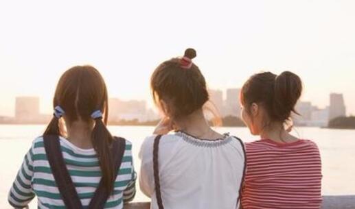 三个人友谊心酸的句子 三人友谊一人冷落的句子