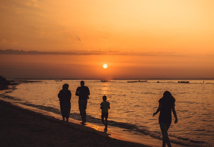全家幸福的句子 一家人幸福暖心的短句