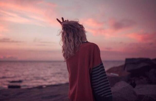 心累到无法呼吸的句子 深夜心痛到无法呼吸的句子