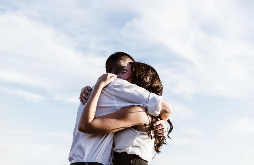 浪漫有内涵的爱情句子 有深度的爱情唯美语录