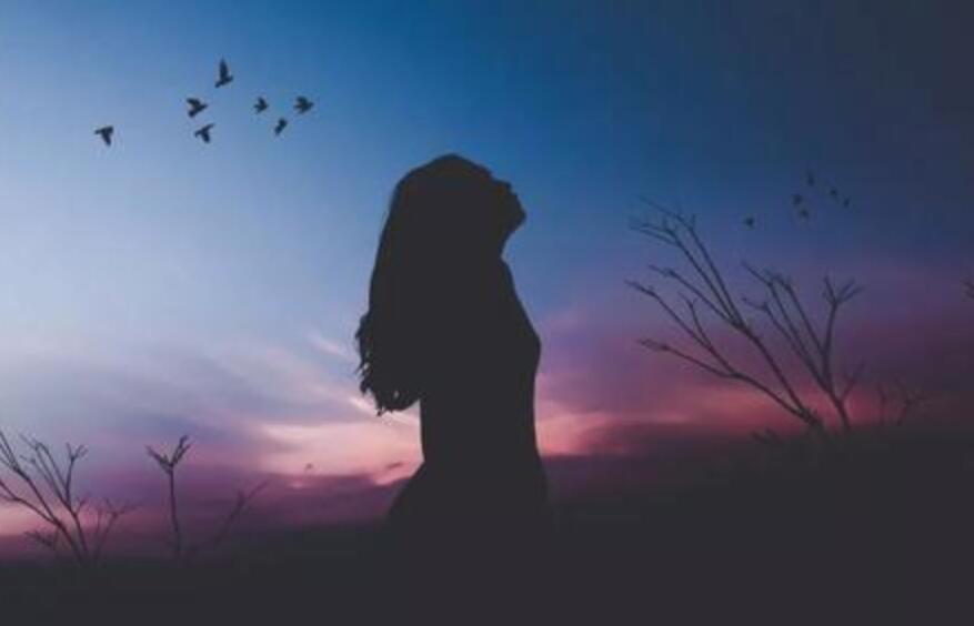 仰望天空的唯美句子 抬头看天空的唯美忧伤语录