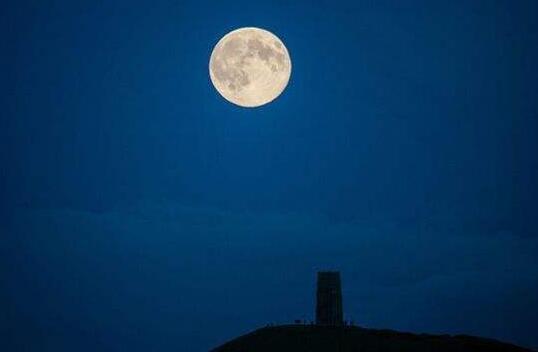 月光下想你的句子 夜晚想念你的短句
