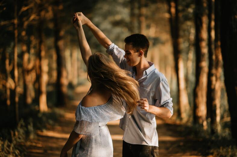 很甜很暖心的爱情句子 浪漫甜蜜的爱情语录