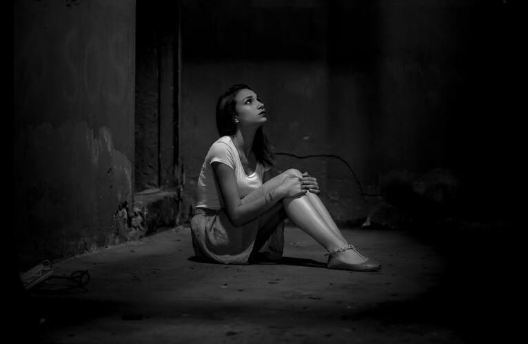 伤心难过心痛的句子 伤心到心痛的语录