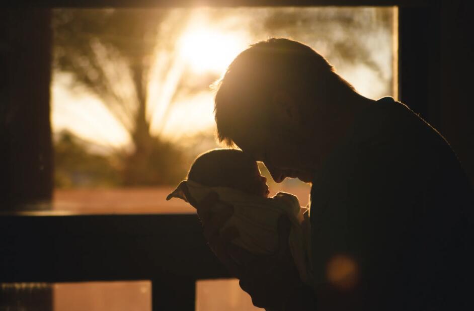 父子亲情的句子 温馨感人的父子亲情语录