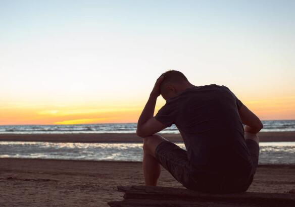 心碎后沉默的句子 彻底死心放弃的悲伤语录