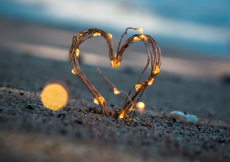 简短唯美的爱情句子 关于爱情的唯美短句