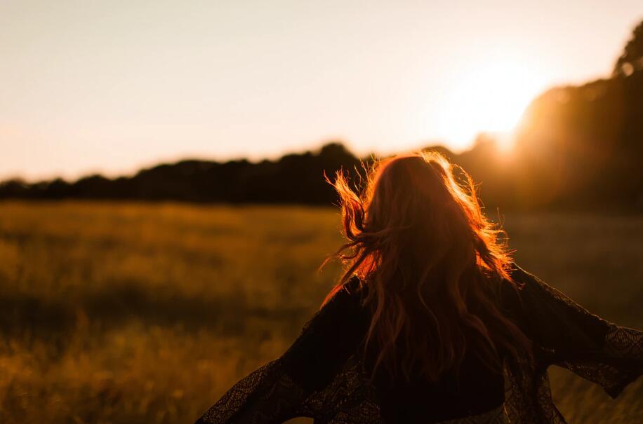 朋友圈公布恋情的幸福句子 含蓄公开恋情的语录