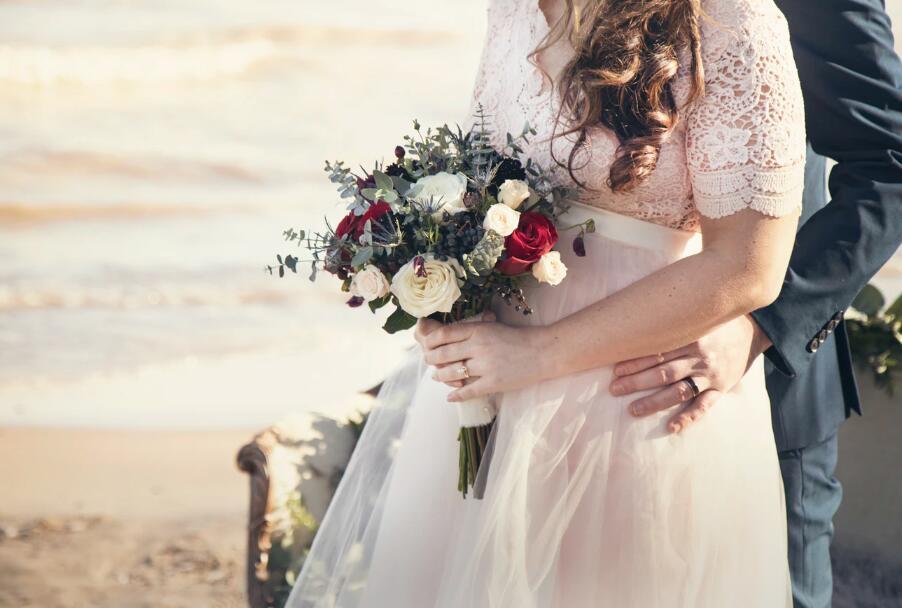 祝福新人的唯美句子 结婚祝福的唯美语录