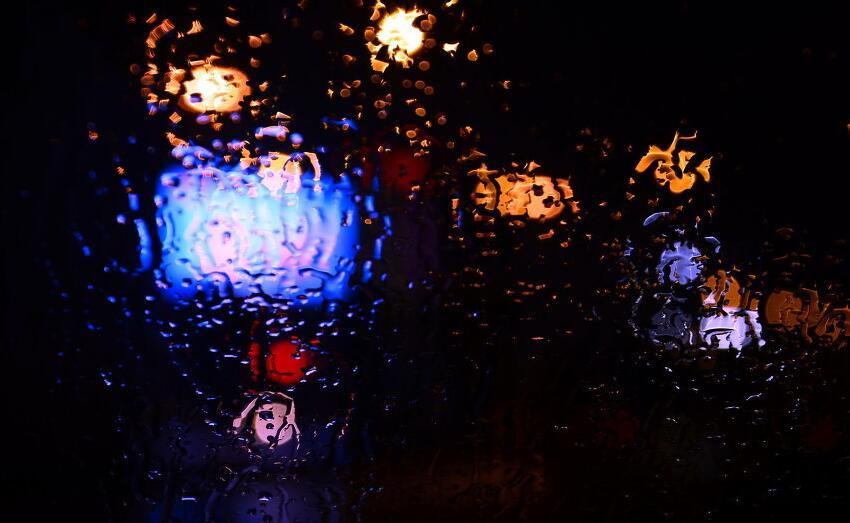描写雨夜的优美句子 关于雨夜的唯美句子