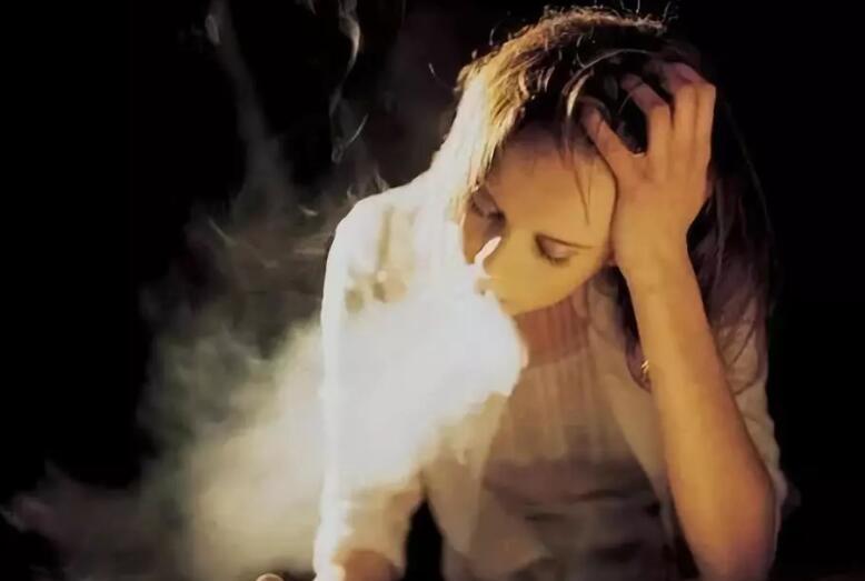 夜深心痛又心酸的句子 表示自己心酸的句子