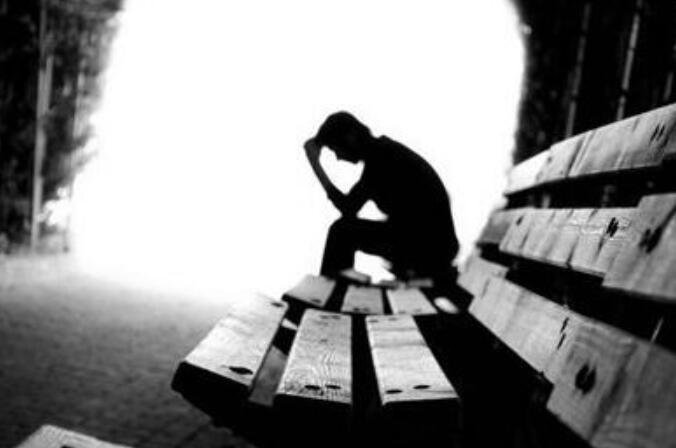 关于自己很难过的句子 自己伤心难过的句子
