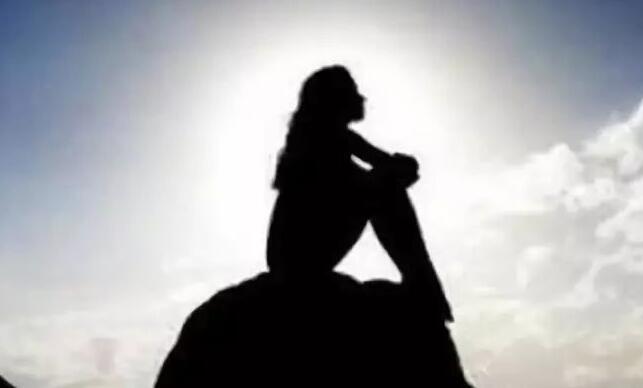 心酸孤独无人诉说的句子 满怀心事无人诉的说说