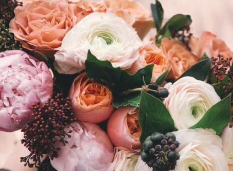 新婚祝福语八字 结婚简短祝福语八个字
