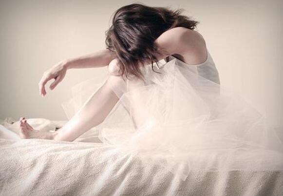 女孩心痛的句子 女生伤心的句子