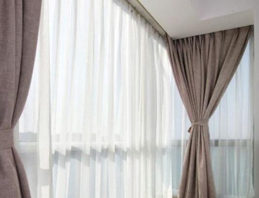 描写窗帘的优美句子 描述窗帘优美句子