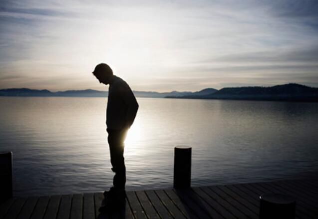 难过到极限的句子 一个人难过到想哭的句子