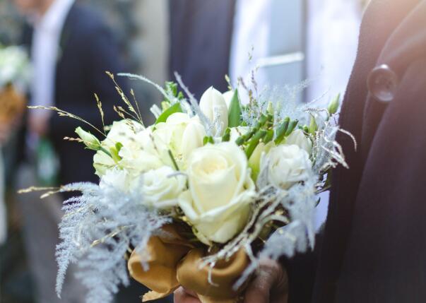 祝愿夫妻恩爱的句子 祝夫妻幸福的祝福语