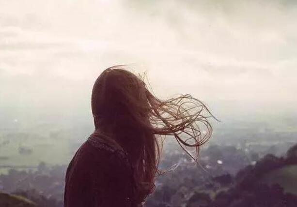 心情语录心痛的句子 感情语录心痛的句子