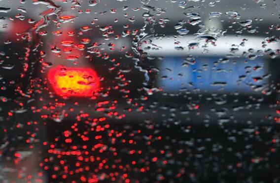 描述小雨的优美句子 描写下雨的优美句子