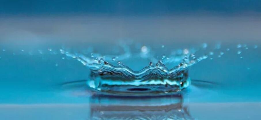 描写水的优美句子段落 描写水的句子大全