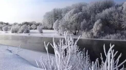 关于雪的句子优美段落 描写冬天雪景的好段