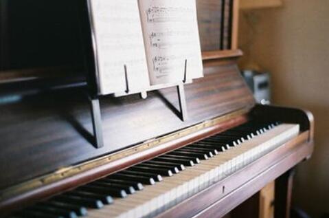 关于音乐的哲理句子 关于音乐的名人名言