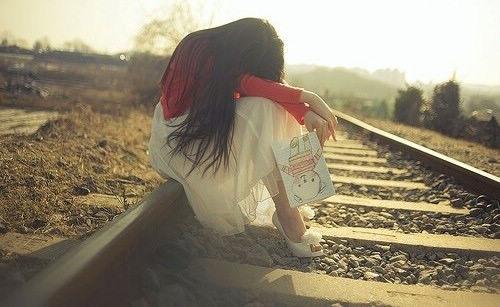 关于爱情伤感句子 爱情的句子经典悲伤