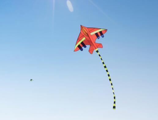 关于风筝的优美句子 风筝的句子唯美简短