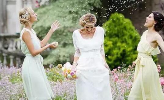送闺蜜出嫁感人的句子 送闺蜜结婚祝福语