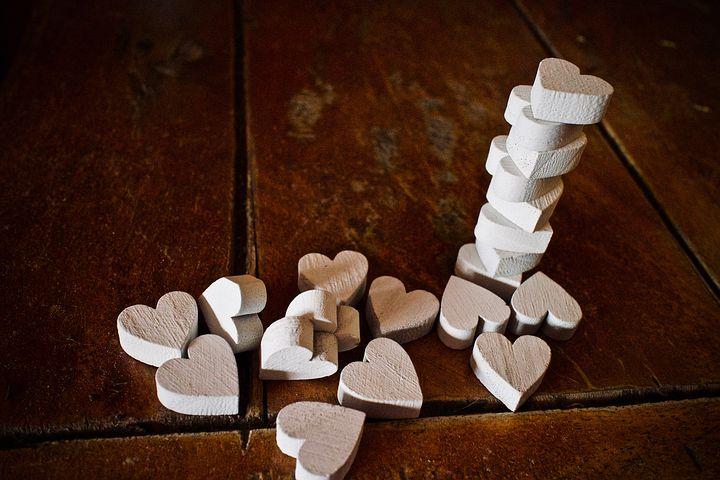关于爱情的简单句子 关于爱情的经典语录