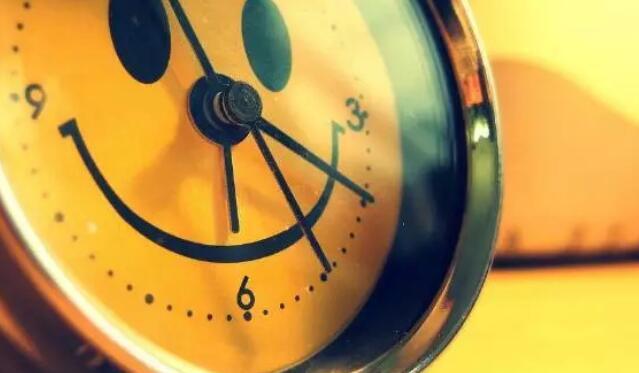 感叹时间快的优美句子 感叹时间匆匆的佳句