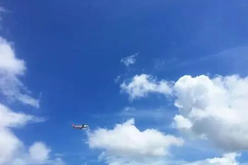 形容天空很蓝很美古诗