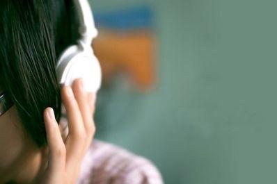 戴上耳机唯美句子 戴上耳机唯美生日句子