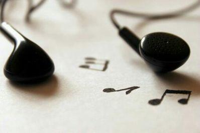 关于耳机的唯美句子 戴上耳机唯美生日句子