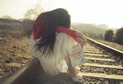 对于爱情伤感的话 要关于爱情悲伤的句子