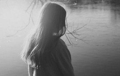 爱情深刻感人的句子 要很感人的爱情句子。