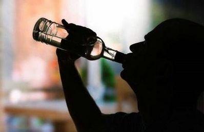 女人喝酒句子说说心情 想喝酒的句子说说心情