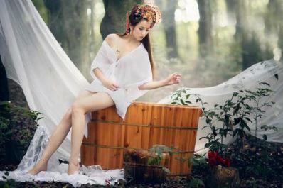 美女出浴的唯美句子 描写美人沐浴的句子