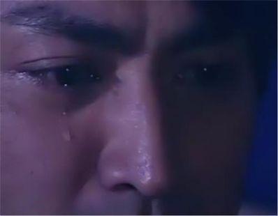 男人偷偷的流泪的句子 男人流泪的句子