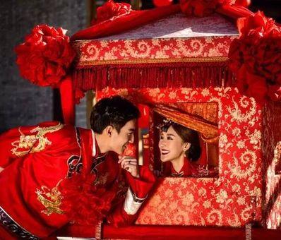 """描写新娘与花轿的诗句 描写""""看新娘坐花轿""""的古风句子有哪些?"""