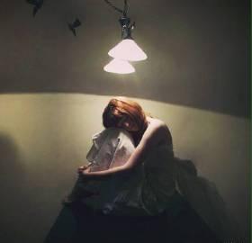 一个人伤心难过的话 写一个人伤心难过的句子
