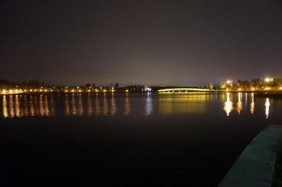 赞美江边夜景的句子 赞美夜景很美的句子