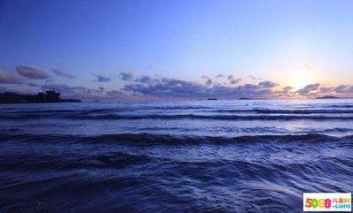 形容海水的文艺短句 形容海水的优美句子